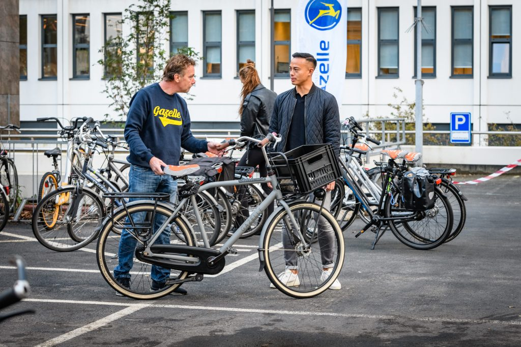 Gratis fietsonderhoud op Lage Weide